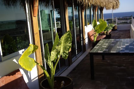 Ocean view beach cottage in the center of the city - Santo Domingo