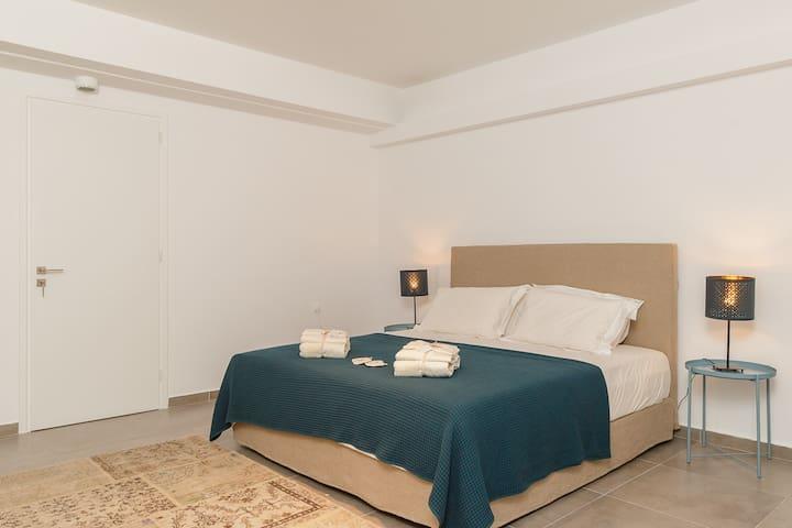 Bedroom 5 with en-suite bathroom