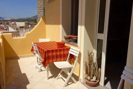 Sa costera appartamento con balcone - Orosei - Wohnung