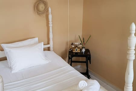Cozy Mountain Retreat Twin Bed Guestroom - San Lorenzo - 一軒家