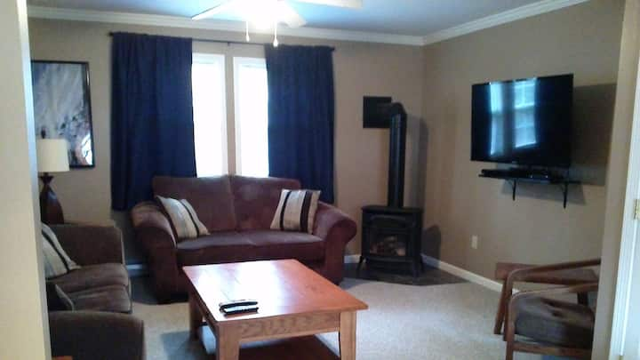 Triple Tree Lodging 2 bedroom Townhouse Unit#2