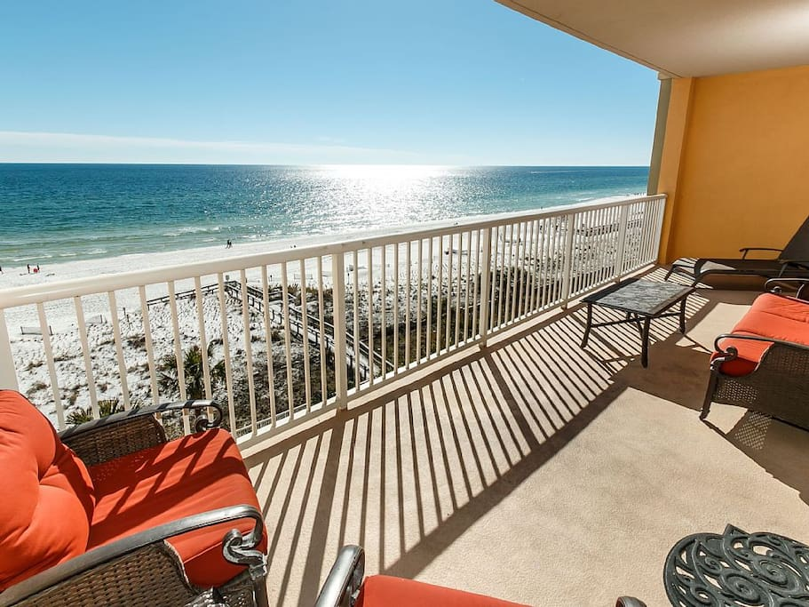 Balcony w/Sofa, Two Club Chairs, Chase, & Coffee Table To Enjoy The Sunset!
