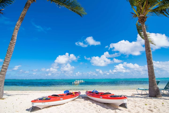 Cayman Blue Sea Hideaway - Right on the Beach