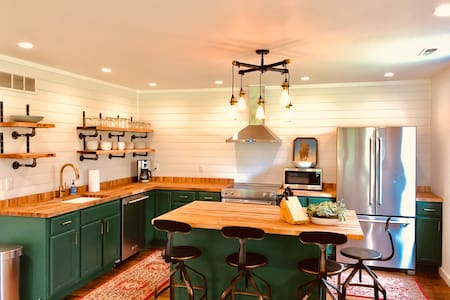 Your SW Michigan Modern Farmhouse Cottage Awaits