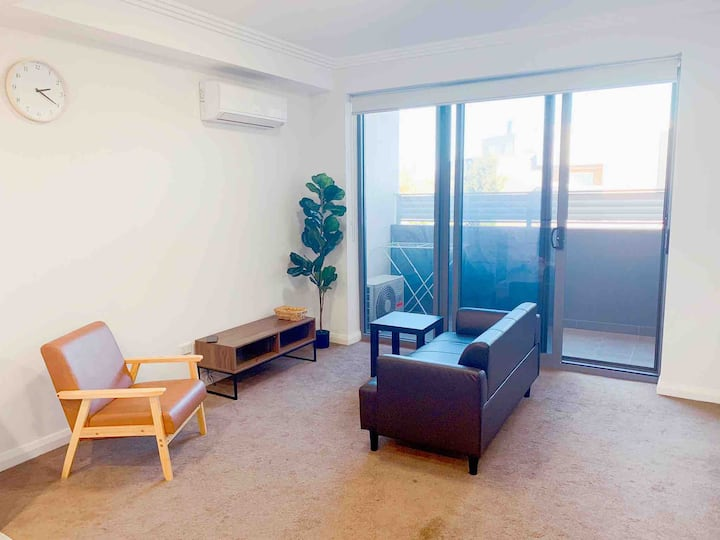 *Heart of Mascot*2BR Serviced Apartment At AIRPORT