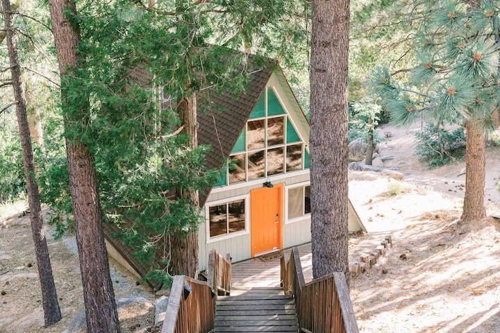 The Juniper Hideout A-Frame Cabin .. Lake & Hikes
