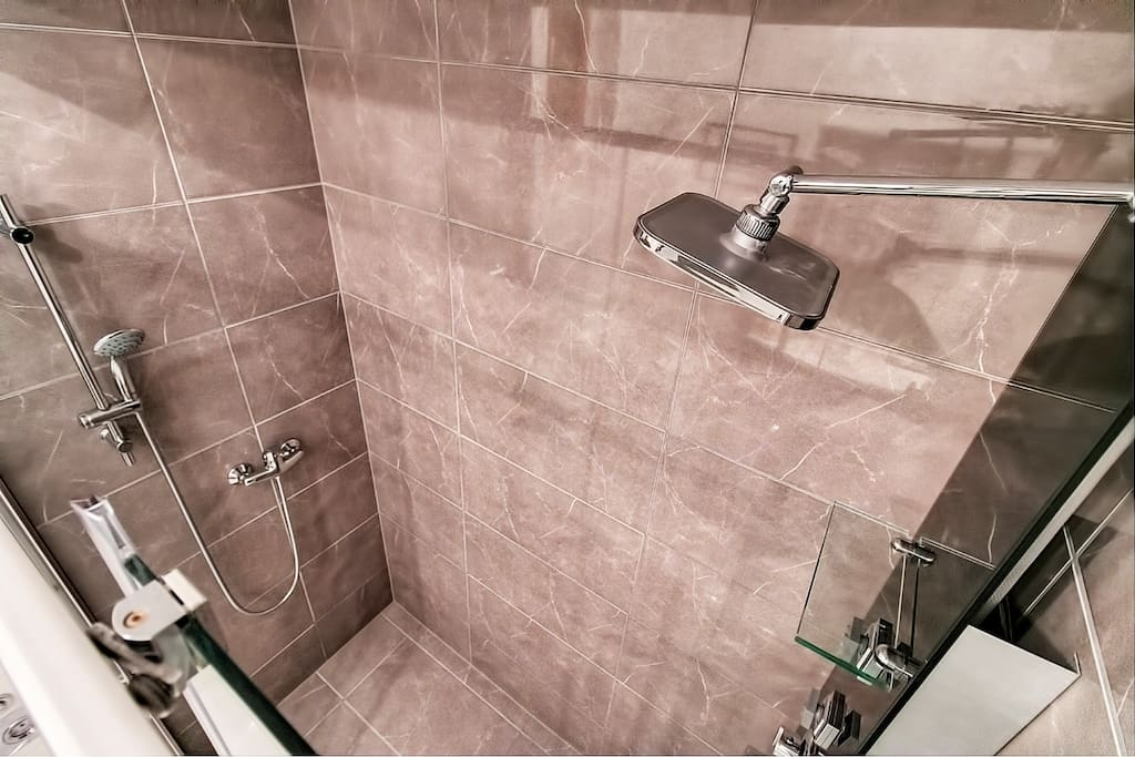 A must have feature for cuples this seductive double shower  with massive hot water boiler
