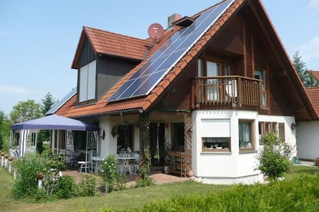 Erdgeschosswohnung m.Terasse & WIFI - Windsbach