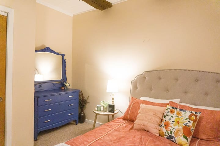 Spacious and Cozy Apt in Harpers Ferry by the Lake