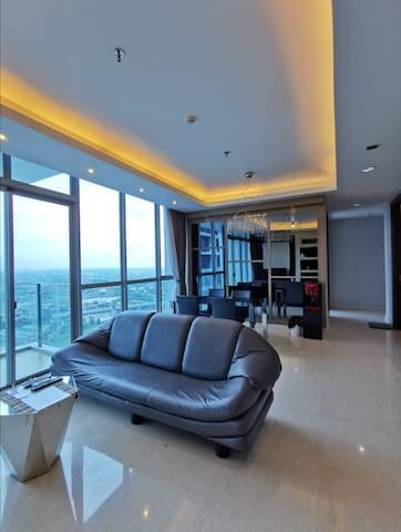 5-stars Luxury Condominium 3BR in west CBD Jakarta