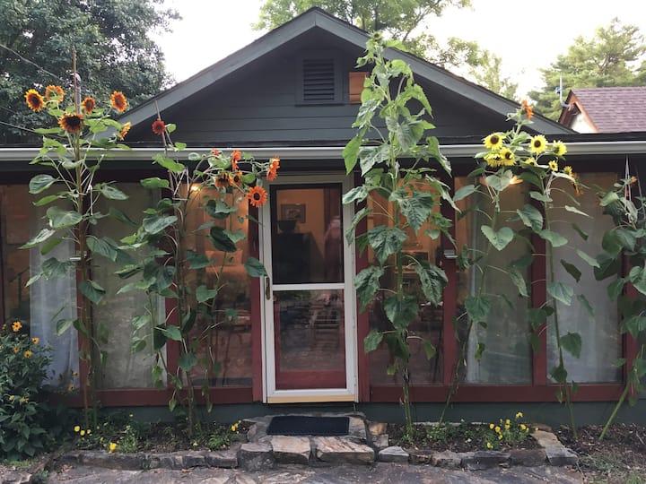 Sunporch Suite w/ private entrance