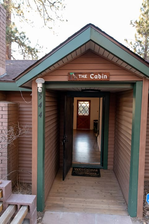 Newly Renovated Cozy Cabin