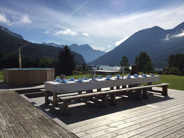 Storesunde panorama, 1 mil fra Stryn.
