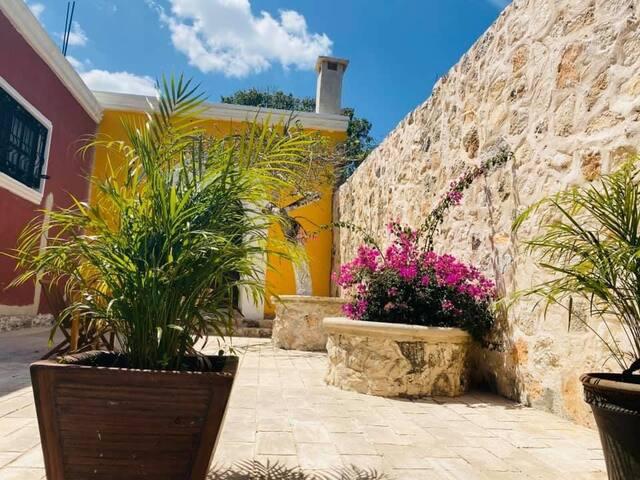 Hacienda beek: una villa in valladolid-chichimilá