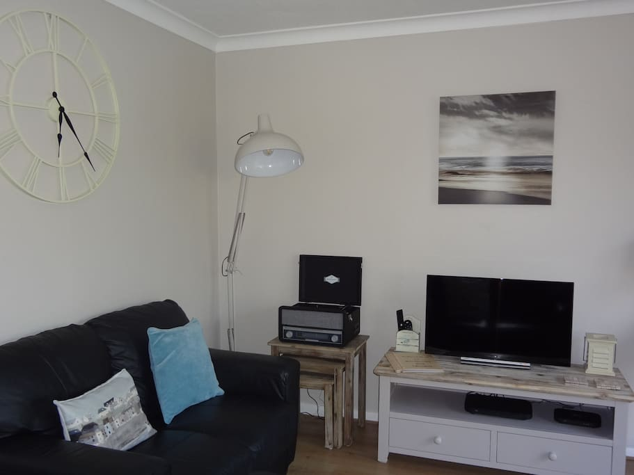 Sky Entertainment & Freeview Tv with integrated DVD player.
