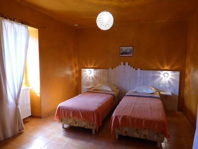 Chambre Twin - Grospierres - Bed & Breakfast