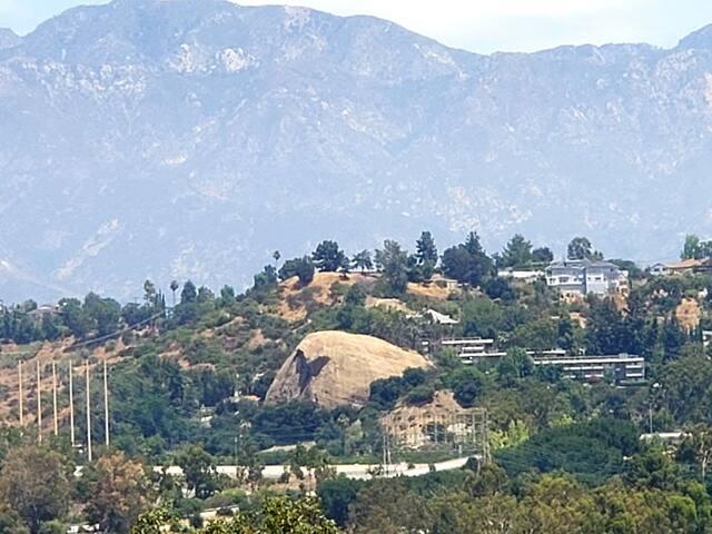Best view in beautiful Eaglerock, Los Angeles!
