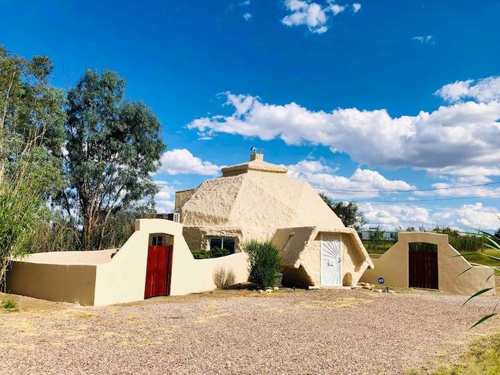 High Desert Dome, a Safe Refuge w/hi-speed WiFi