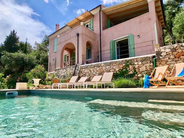 The Designer's House 3Bedroom Villa & Private Pool