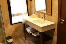 Habitación 05, baño