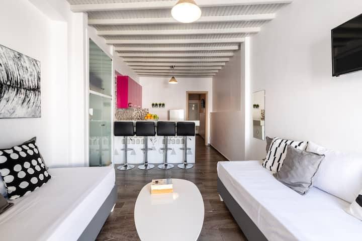 "The ""Hora"" apartment"