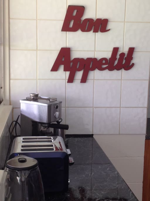Shared full kitchen, oven, cook top, coffee machine & more