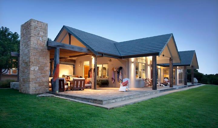 Luxury retreat on stunning block