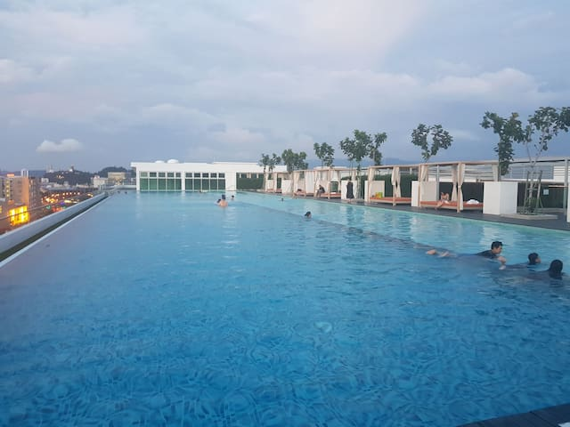 Sutera Avenue Cozy Condo  rooftoppool Heart of KK