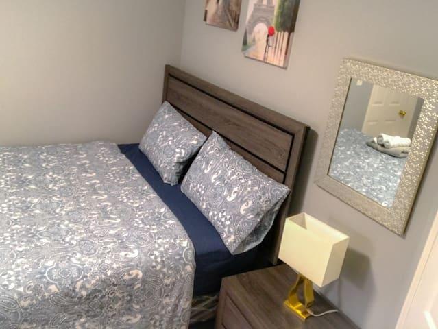 Bedroom 2 share washroom,near to YorkU and Aviva C