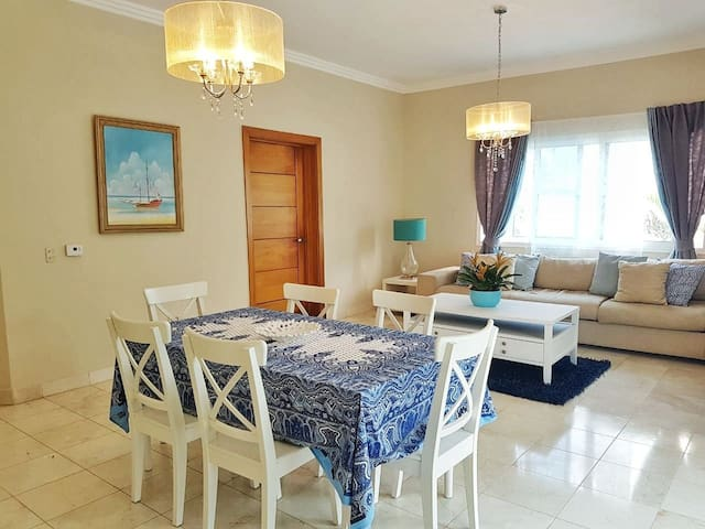 Stunning 2BR Condo with Private Beach, Centric!