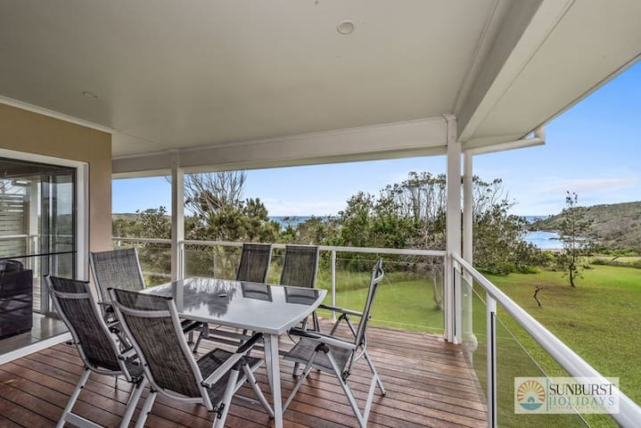 Oceanview Beach Front - 4 Bedroom Beach House - Arrawarra Headland - Hus