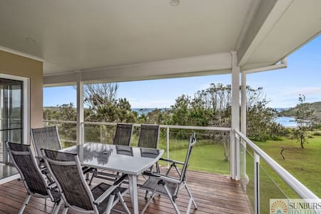 Oceanview Beach Front - 4 Bedroom Beach House - Arrawarra Headland - Casa