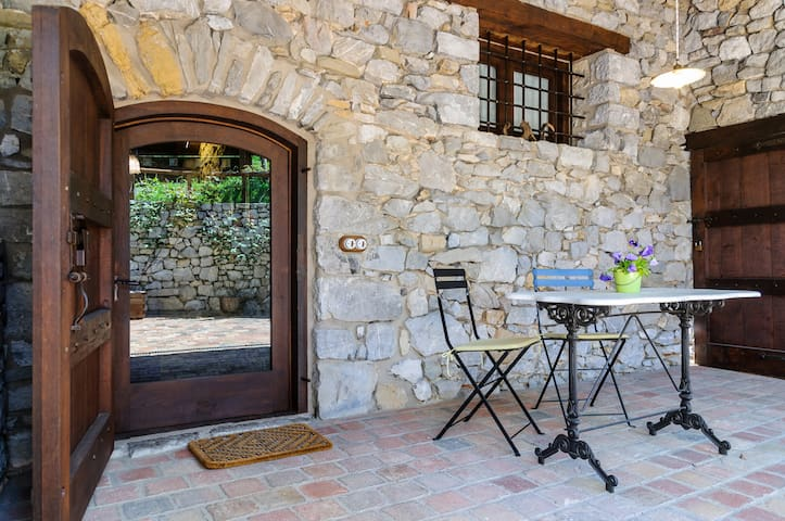Airbnb Montagut I Oix Vacation Rentals Places To Stay