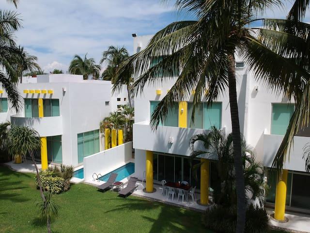 Casa Acapulco Diamante, frente al Mayan, Xcaret