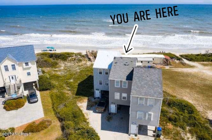 """Whitecaps"" Surf City beachfront townhome"