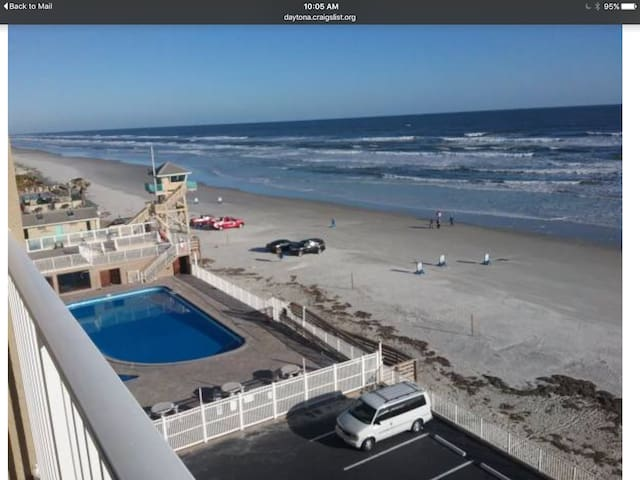 Daytona Beach Resort Oceanfront studio!