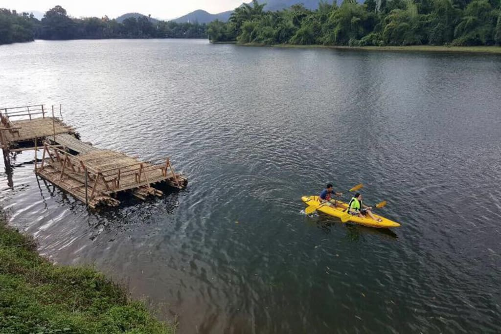 Free Kayaking for guests!