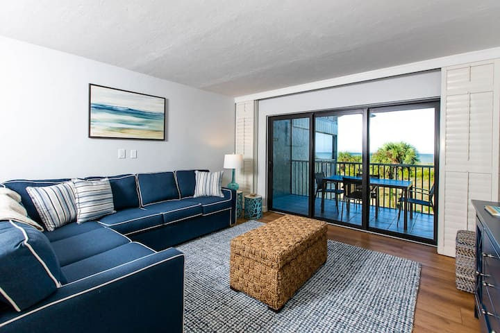 SOUTH SEAS BEACH VILLA 2428- BEAUTIFUL CONDO ON CAPTIVA!