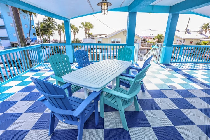 1270 Estero is a beautiful, beach themed home perfect for your next beach vacation!