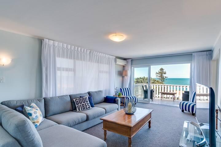 Sea & City Holiday House.