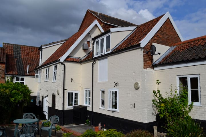 Modern 1st floor Studio in the centre of Wymondham - Wymondham - Leilighet
