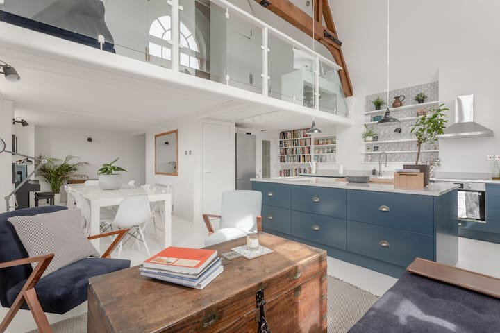 Stylish 1Bedroom Loft With Parking