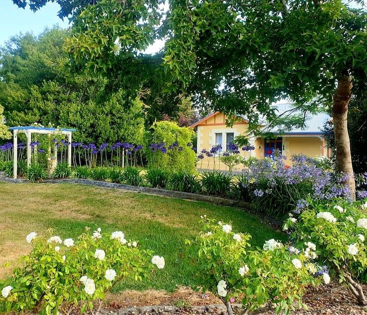 Idyllic Tuscan Paradise with magical gardens