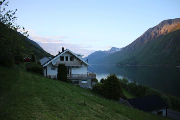 Dalsfjorden - Møre og Romsdal - Casa