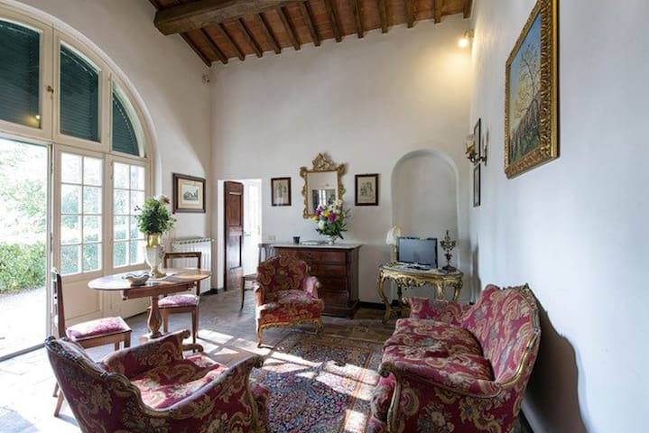 Cottage Fontanella x 2 close to Cortona with pool