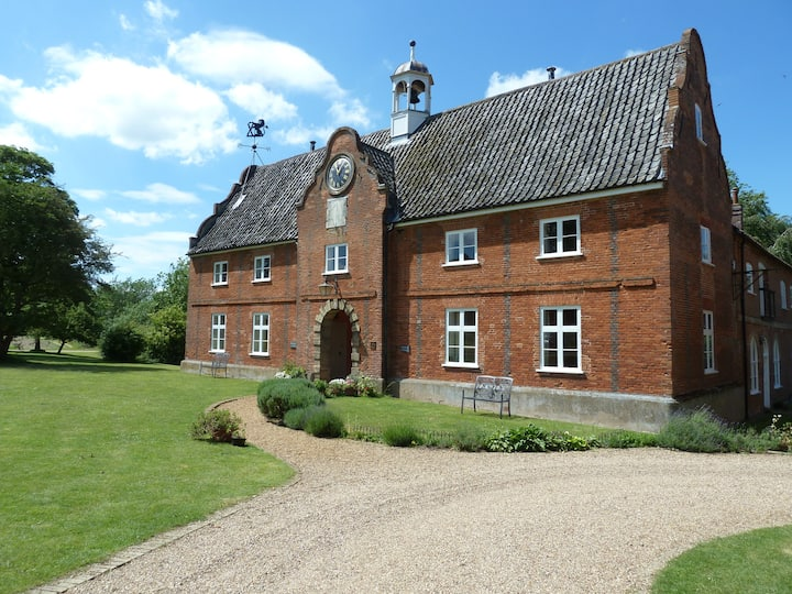 Granary Cottage, rural setting,  Norwich 5 miles