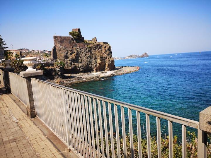 Casa vacanze sul mare Il Castello di Aci