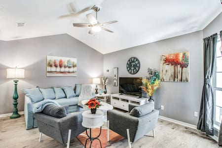 GypsyPad I, a Luxuriously Furnished monthly rental