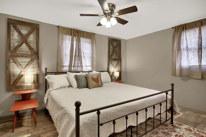 King sized bedroom downstairs.