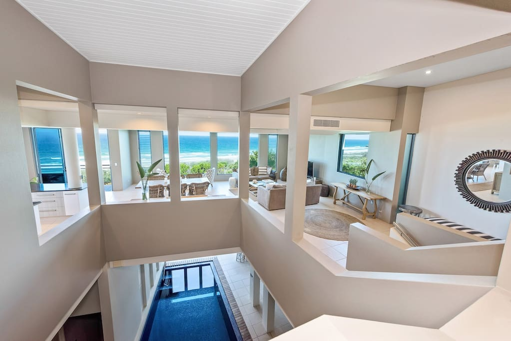 Magnificent Beachfront House With Heated Pool Houses For Rent In Castaways Beach Queensland